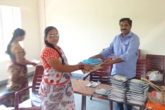 mr-srinivas-area-coordinator-drda-wg-distributing-tools-to-artisans