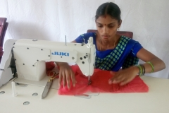 training-on-stitching-garmenting-3
