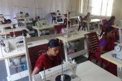 training-on-stitching-garmenting-7